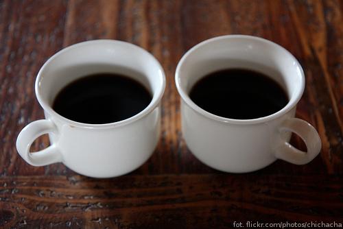 Zawieszona kawa - dwie kawy na stole :)