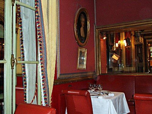 Podróz soczysta berlinsko-paryska - Madame w Le Procope
