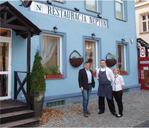 Neptun w Ustce - rewolucja w kuchennym zaciszu - Krytyk Kulinarny Artur Michna i właściciele