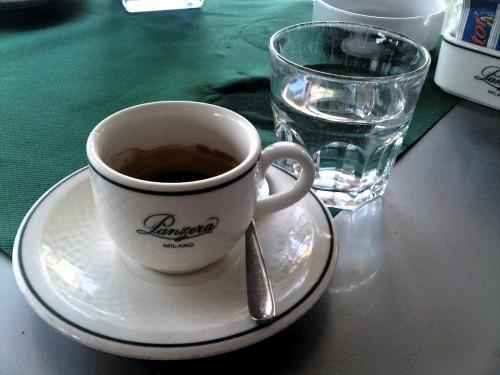 Espresso w Mediolanie