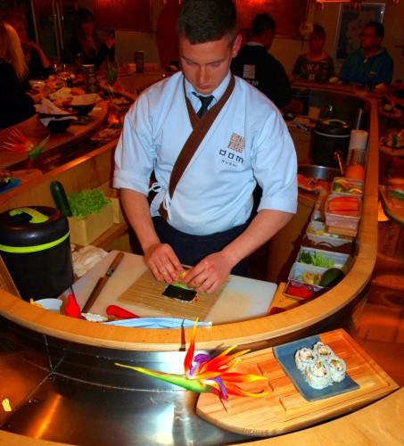 Dom Sushi - przygotowanie dania