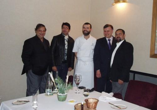 Krytyk Kulinarny Artur Michna w restauracji Senses. Od lewej: Sourish Bhattacharyya, Amit Lohani, Andrea Camastra, Artur Michna, Sayed Jafar Naqvi