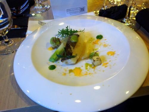 dorsz atlantycki z ziemniakiem, porem i żółtkiem (E. Jagodziński)