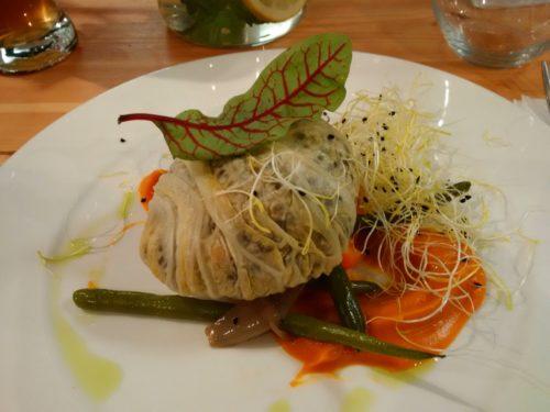 Wspólny Stół - gołąbek nadziewany ryżem i soczewicą na purée z batatów.