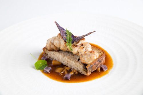 Restauracja Żabusia - Grasica cieleca souse vide, chleb z prawdziwkami, sos z prawdziwkami