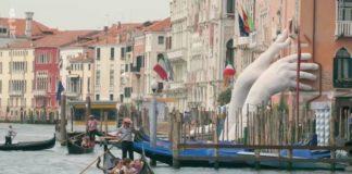 """kadr z filmu """"Re: Sztuka przetrwania w Wenecji"""""""