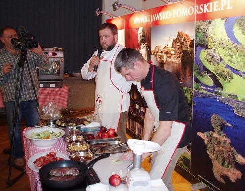 Gęganie, weganie i poganie - Artur Moroz i Maciej Nowicki przygotowują dania