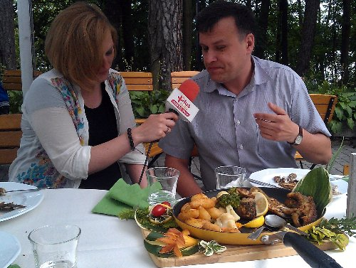 Lipcowa przejażdżka kulinarna - wywiad Krytyka Kulinarnego Artura Michny w Radio Plus