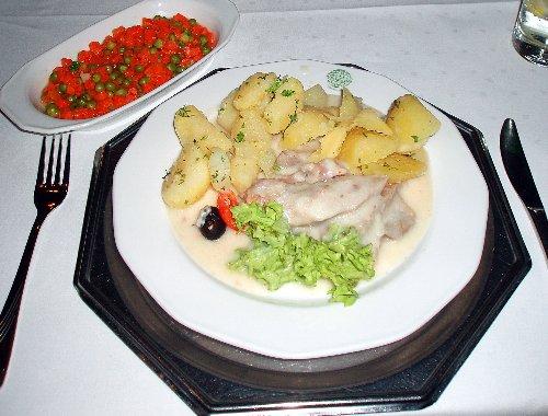 Restauracje tradycyjne - ozory w sosie chrzanowym (Gromada w Toruniu)