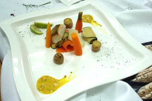 Sandacz z warzywami