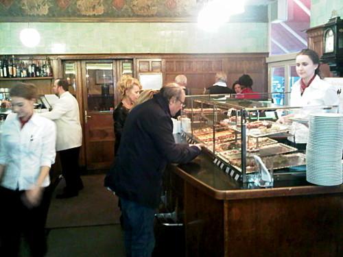 """Bar z kanapkami """"Zum Schwarzen Kameel"""""""