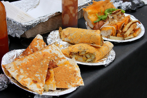 Quesadilla, Burrito i Kanapkindwiches - Hollywood Farmers Market / fot. Larry