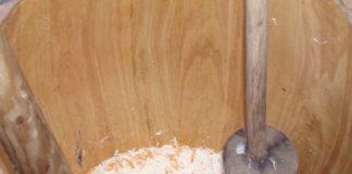 Kiszenie kapusty - beczka z kapustą