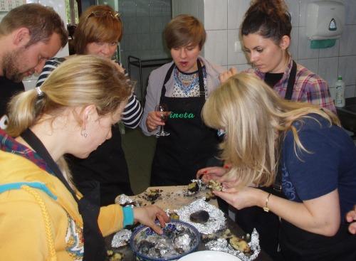 Dziennikarze i blogerki przygotowują dania z ziemniaka