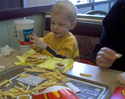 Ile o żywieniu wiedzą rodzice? / fot. Eric Lewis