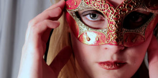 Kto ukrywa się pod postacią tajemniczej I-GRAŻKI? / fot. Rachel Jean Hopkins