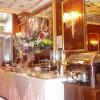 Mediolan, bufet śniadaniowy w hotelu