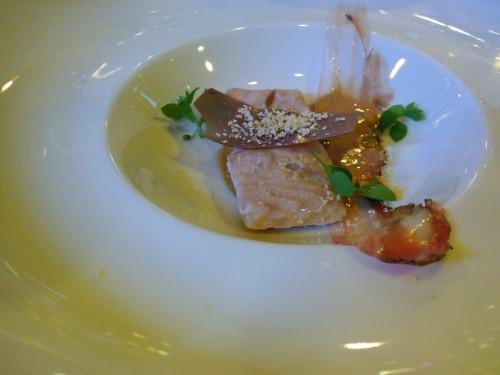 jesiotra z dojrzewanym boczkiem i karmelizowaną maślanką (D. Narloch)