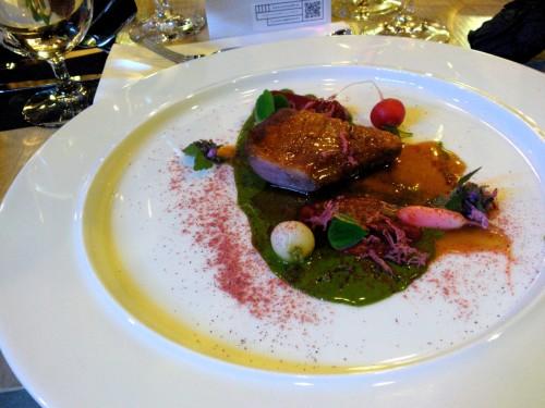 kaczka z purée z botwinki i szczawiku bulwiastego (D. Narloch)