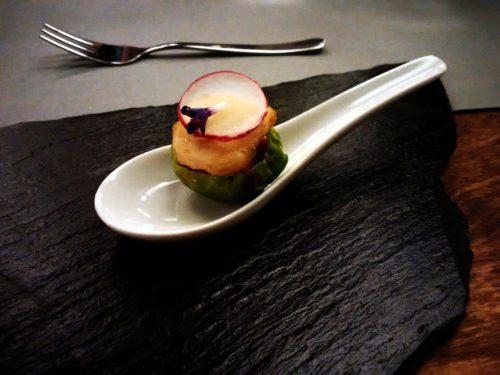 Policzek łososia z rokitnikowym majonezem, OtwArta