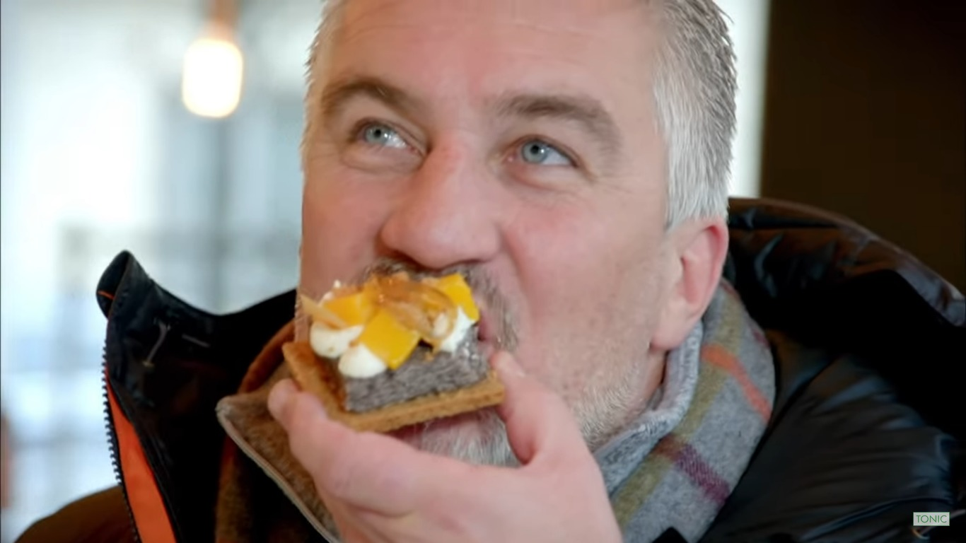 kadr z filmu Warsaw: The Amazing Food Served At A Former Communist Canteen | Paul Hollywood's City Bakes | Tonic