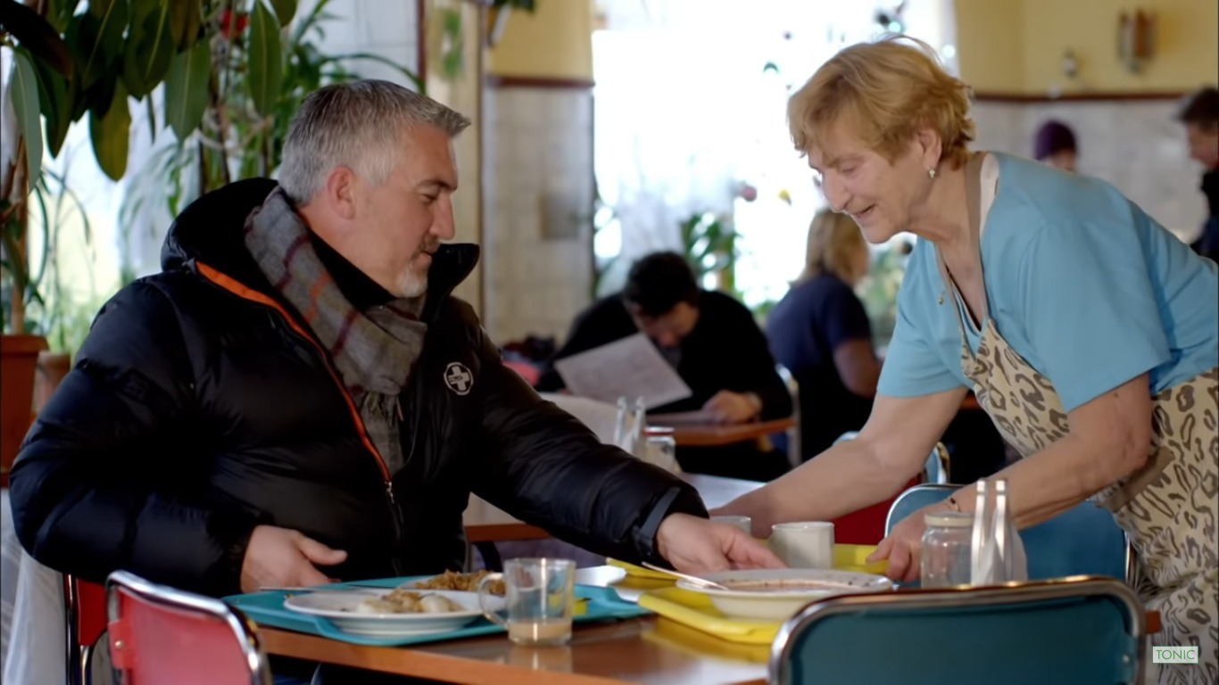 kadr z filmu Warsaw: The Amazing Food Served At A Former Communist Canteen   Paul Hollywood's City Bakes   Tonic